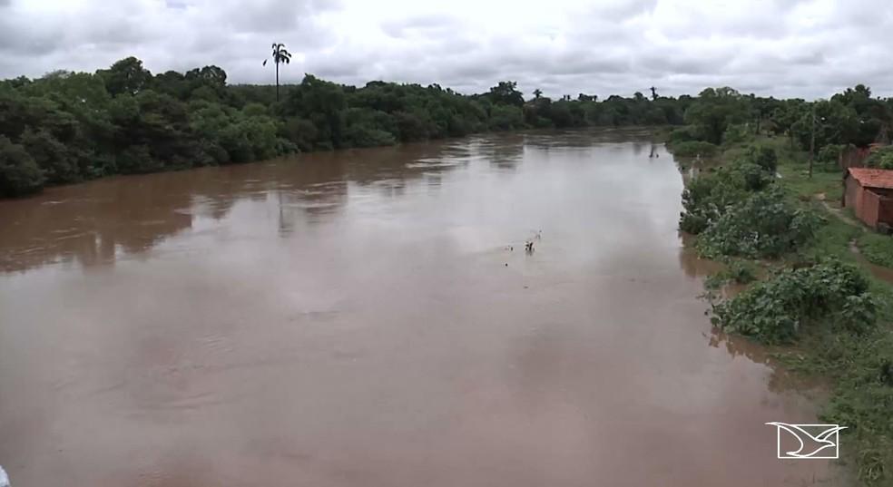 Defesa Civil diz que nível do Rio Itapecuru já ultrapassou os 7 metros após início das chuvas em Codó — Foto: Reprodução/TV Mirante