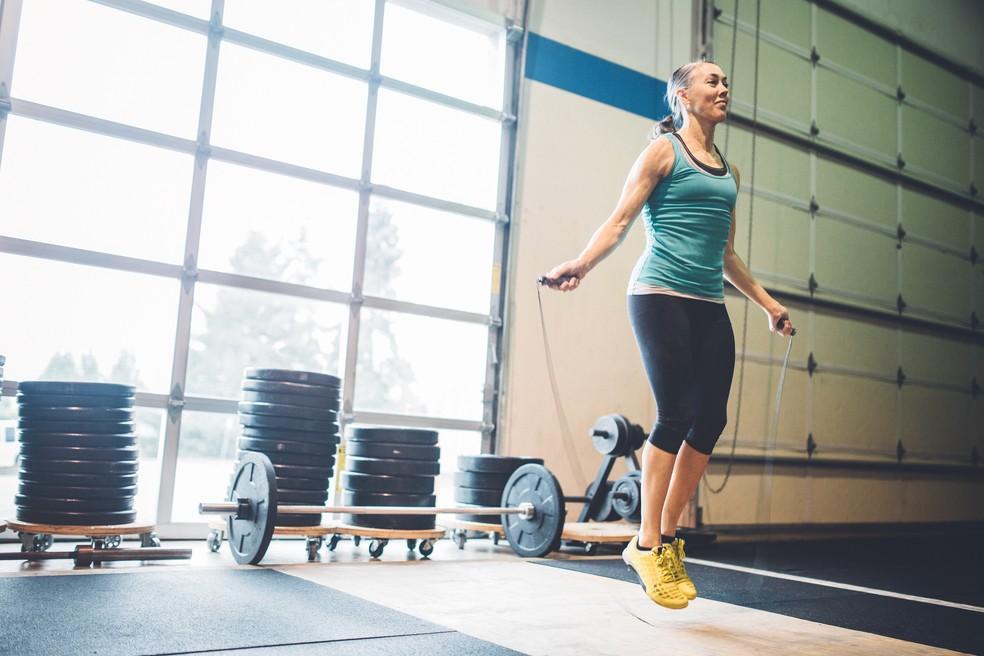 Pular corda é um dos exercícios mais usados no crossfit (Foto: IStock Getty Images)