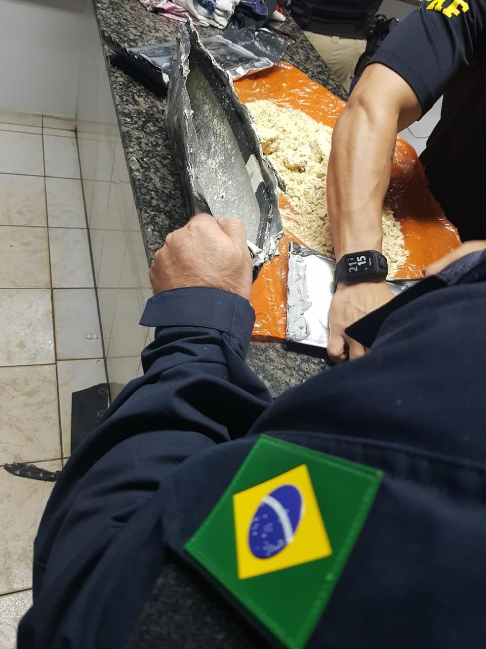 Droga foi levada para delegacia de Vilhena  — Foto: PRF/ Divulgação