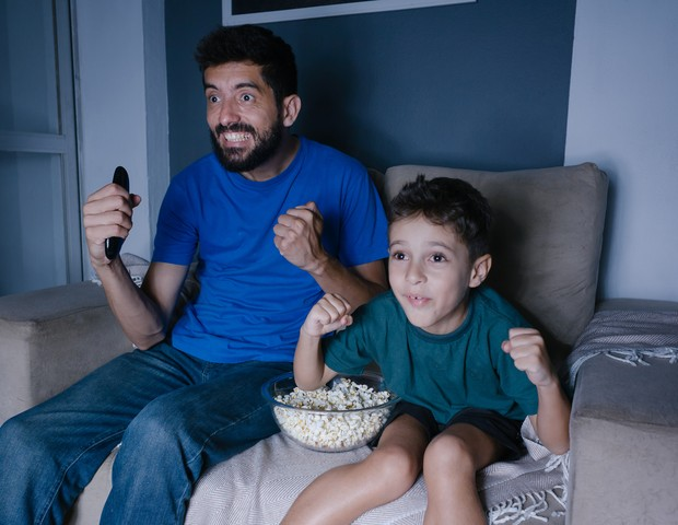 Assistir aos jogos da Copa do Mundo se segurando para não falar palavrão perto das crianças nem sempre é fácil (Foto: Thinkstock)
