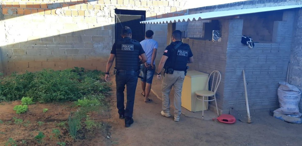 Oito suspeitos de tráfico de drogas são presos em operação no oeste da Bahia — Foto: Divulgação/SSP-BA