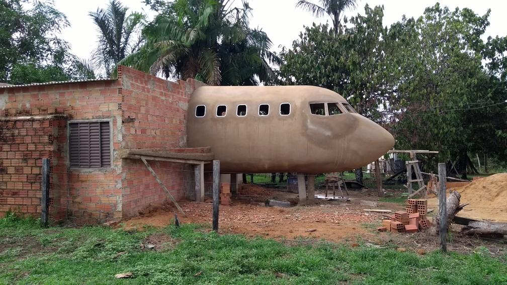 [Brasil] Idoso constrói casa em formato de avião e faz sucesso na web: 'sonho de uma vida' Img-20170926-094955843