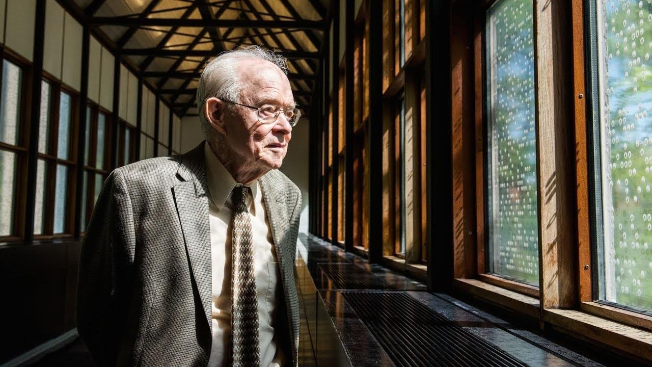 O cientista Eugene Parker (Foto: Reprodução/YouTube)