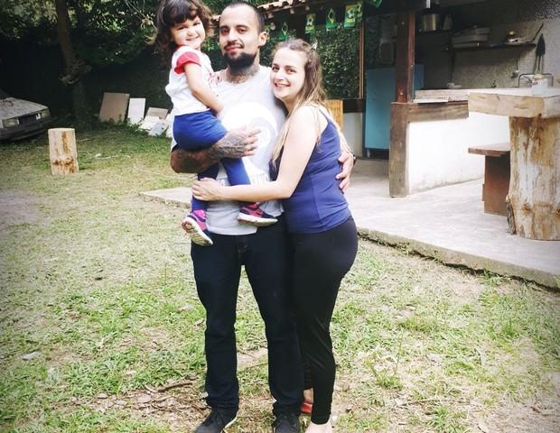 Pai tatuado sofre preconceito ao matricular a filha na creche (Foto: Arquivo pessoal)