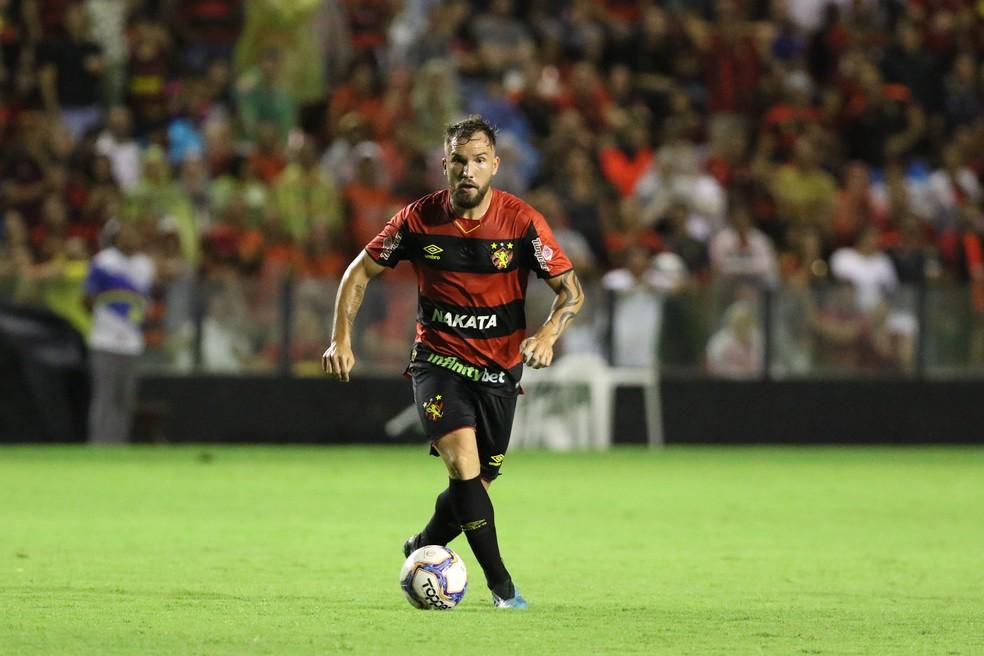 Willian Farias teve forte identificação com a torcida do Vitória antes das lesões — Foto: Marlon Costa/Pernambuco Press