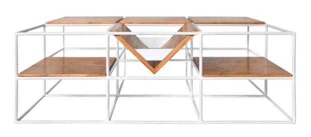 Mesa Movimento, com estrutura de aço e módulos de freijó, 90 x 30 x 60 cm, assinada por Lufe Gomes e BM Estúdio. R$ 3.620 no BM Estúdio (Foto: Divulgação)