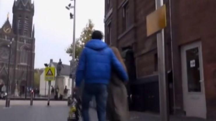 Casal de atores se dirige a igreja na Holanda para gravarem pornô
