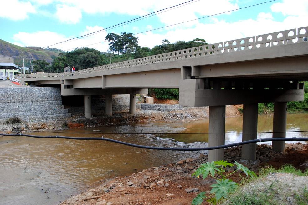 Reconstrução da ponte de Bom Jardim foi uma das obras realizadas após a tragédia de 2011 — Foto: Divulgação/Governo do Estado