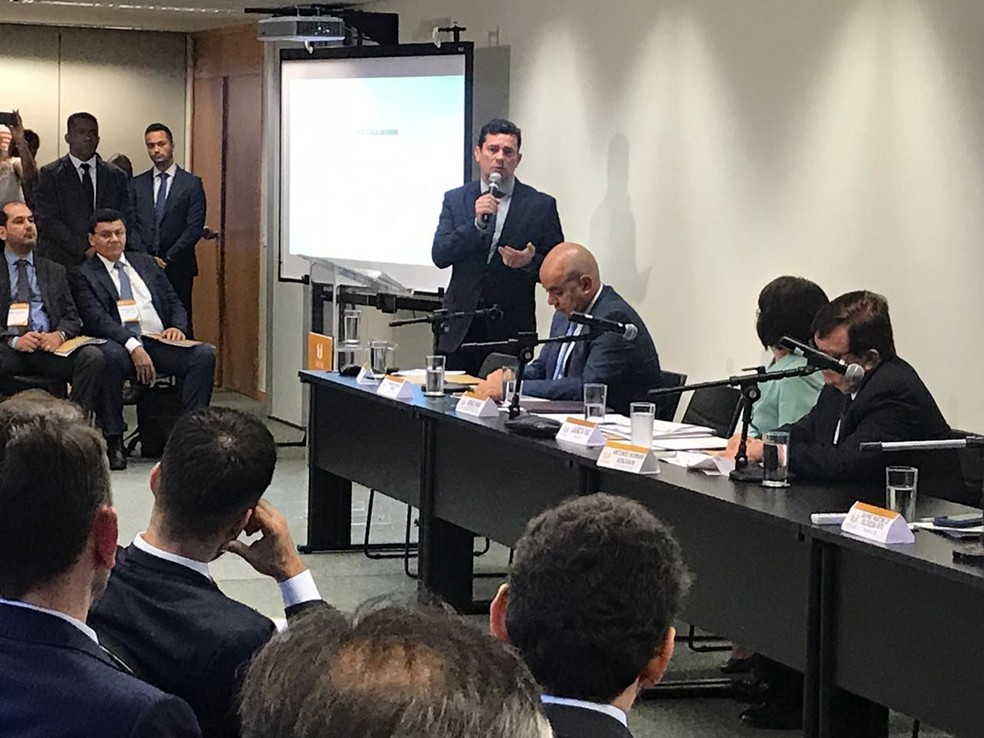 Moro participou de um evento com juízes federais para explicar o projeto anticrime — Foto: Fernanda Calgaro/G1
