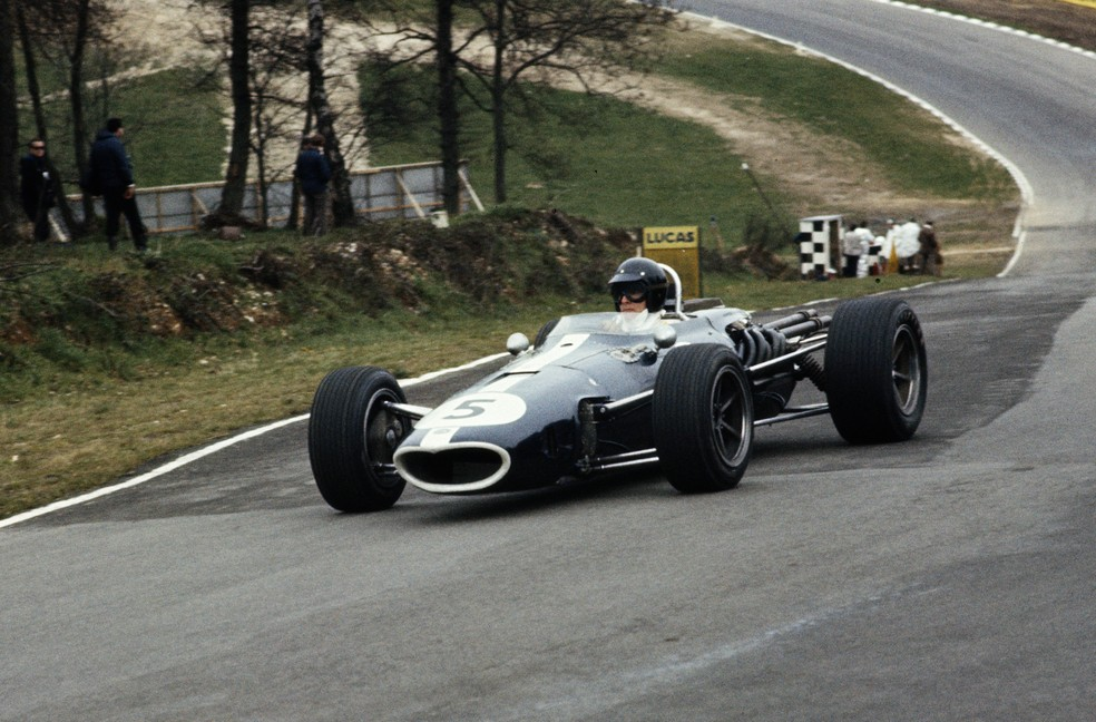 Dan guiando a Eagle 1967 em Brands Hatch (Foto: Getty Images)