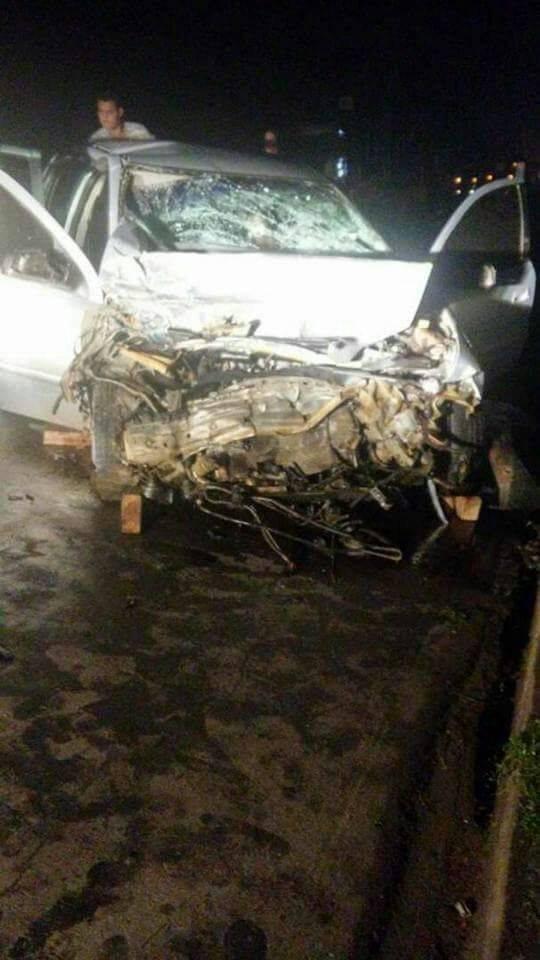 Duas pessoas ficam feridas em grave acidente na BR-101, em João Neiva, ES