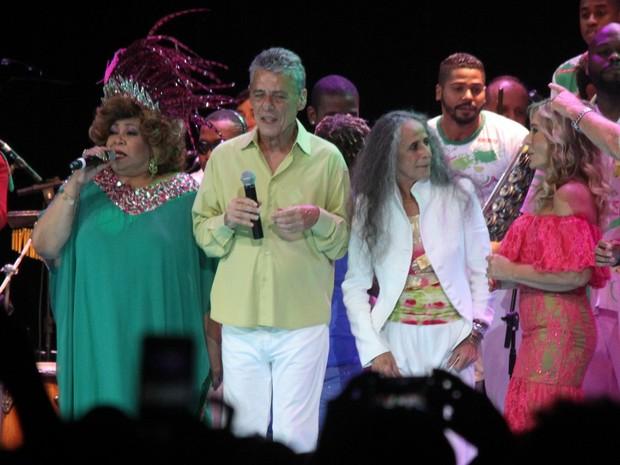 Alcione, Chico Buarque, Maria Bethânia e Rosemary em show no Rio (Foto: Thyago Andrade/ Brazil News)