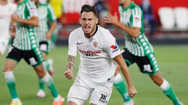 Lucas Ocampos comemora gol pelo Sevilla