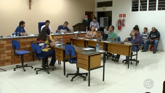 Câmara aprova cassação de vereadores em Ribeirão Grande