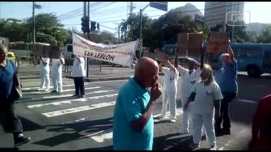 Salários atrasados: funcionários da saúde do município do Rio protestam em várias regiões da cidade