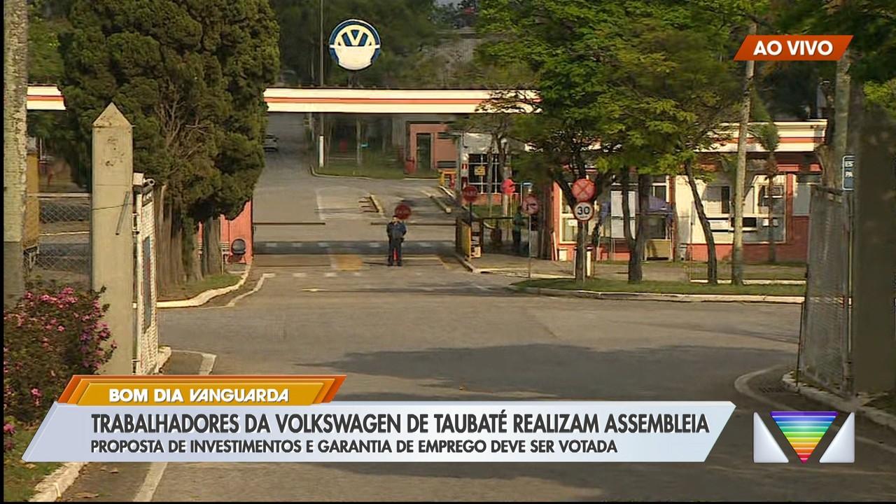 Trabalhadores da Volkswagen de Taubaté realizam assembleia