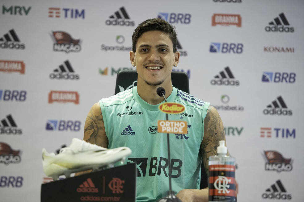 Pedro mira título do Brasileiro e elogia Ceni: Vamos evoluir muito