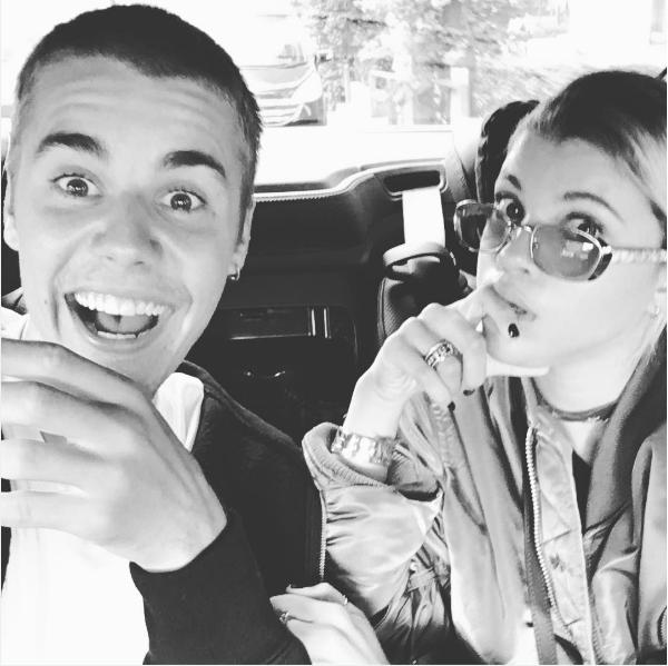 O cantor Justin Bieber com a modelo Sofia Richie (Foto: Instagram)