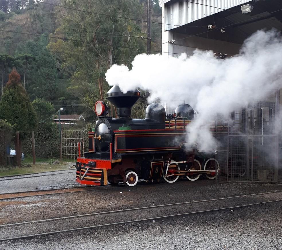 Locomotiva passou por testes antes de voltar a operar neste sábado (13) — Foto: STM/Divulgação