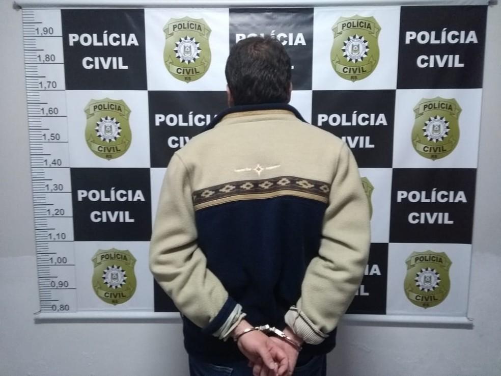 Ao ser interrogado, homem permaneceu em silêncio. Ele é investigado pela morte da irmã, na última quarta-feira (10) — Foto: Divulgação/Polícia Civil