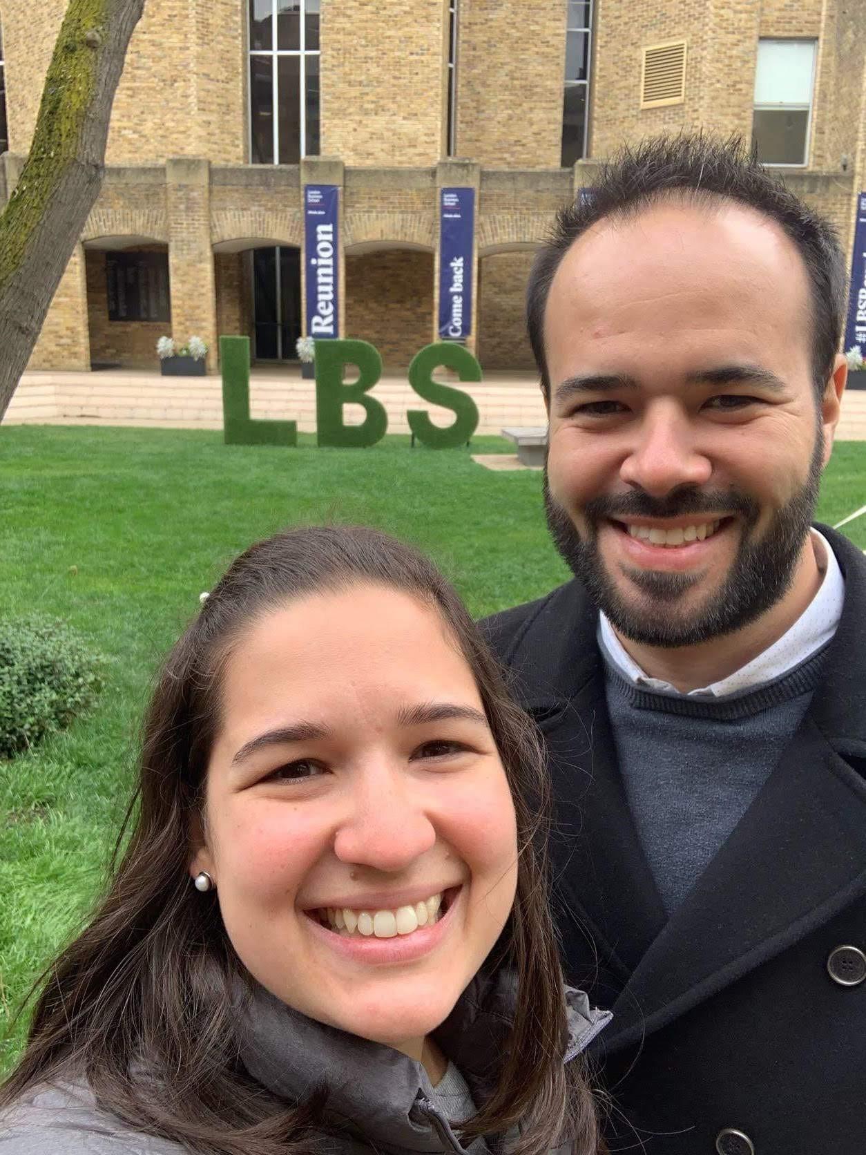 Pedro Lauand - MBA 2014, com a esposa Marina La-Gatta (Foto: Fernanda Lopes de Macedo Thees)