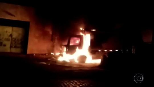 Escolas, caminhão, estação da Enel e ônibus são incendiados no 20º dia de ataques no Ceará