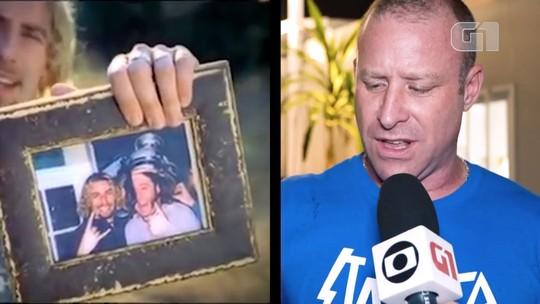 Nickelback olha para fotografias: Mike Kroeger relembra momentos da banda com ajuda do meme