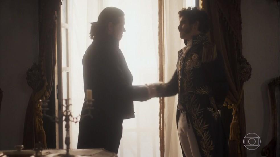 E é selada a aliança entre Dom pedro (Caio Castro) e Bonifácio (Felipe Camargo), em 'Novo Mundo' — Foto: TV Globo