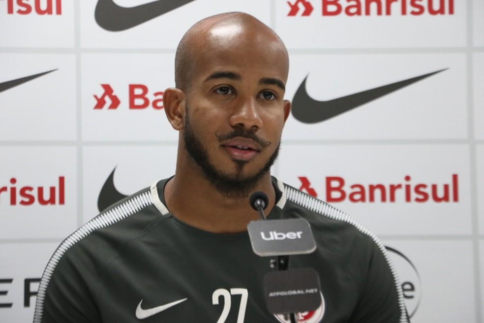 """Patrick fala sobre o gol e a comemoração """"vetada"""" contra o Santos — Foto: Eduardo Deconto"""