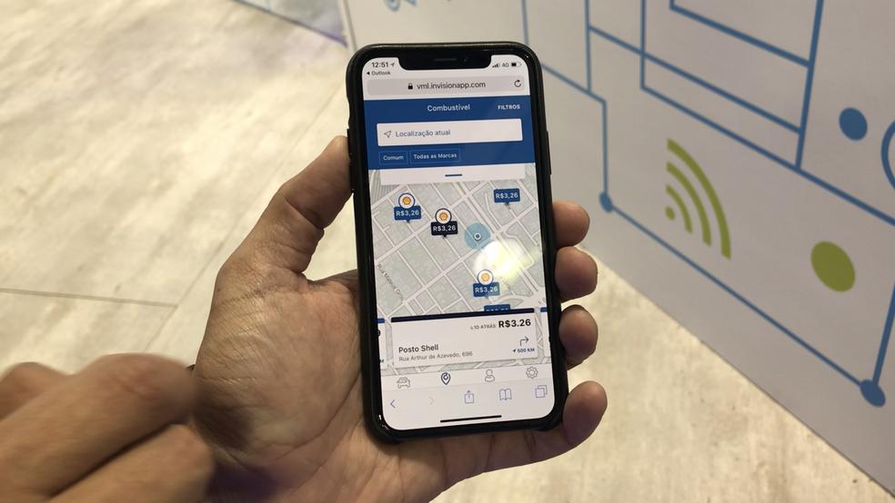 FordPass, aplicativo da Ford, mostra postos de combustíveis mais baratos. (Foto: Helton Simões Gomes/G1)