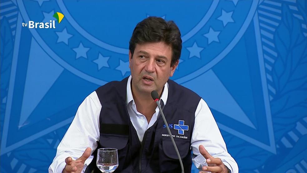 O ministro da Saúde, Luiz Henrique Mandetta, ao conceder entrevista no Palácio do Planalto nesta sexta (3) — Foto: Reprodução/TV Brasil