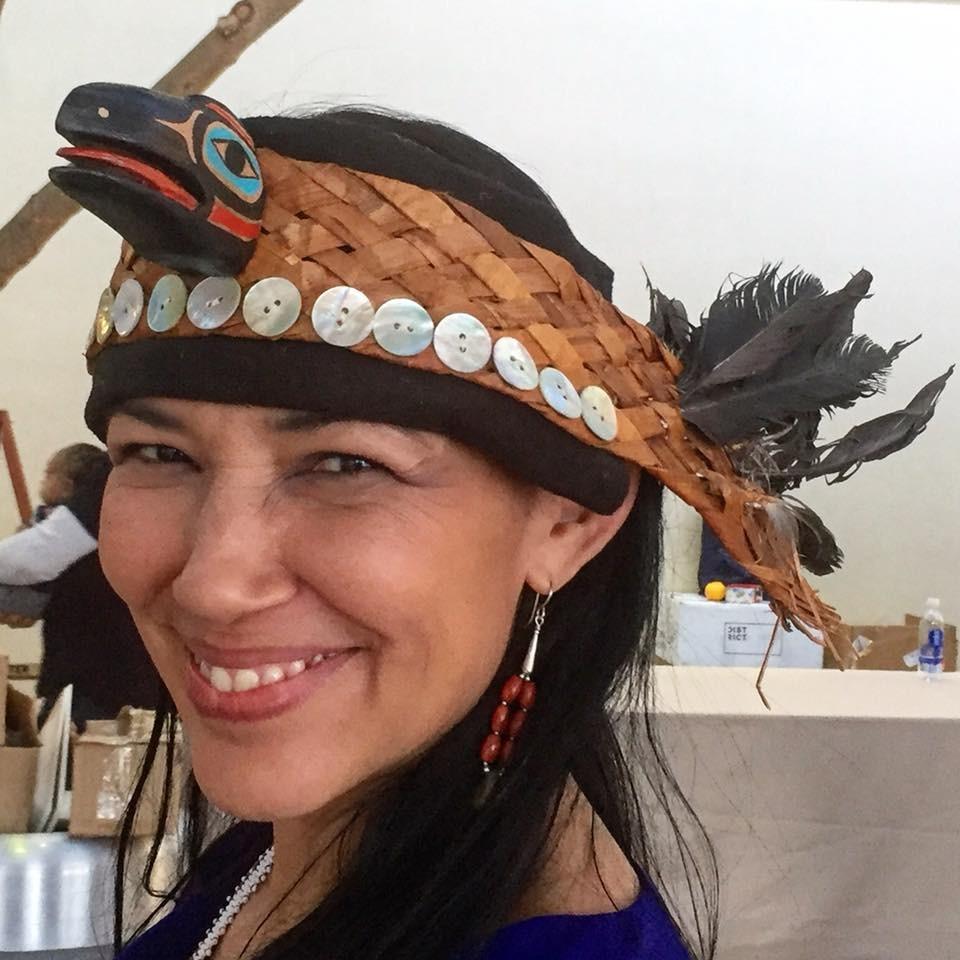 Irene Bedard, voz de Pocahontas em filme da Disney, é presa duas vezes em três dias, diz site