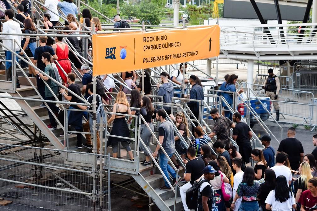 Público chega ao Rock in Rio de BRT — Foto: Tata Barreto/ Divulgação BRT