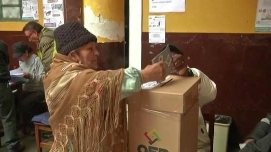 Começa a apuração dos votos nas eleições bolivianas