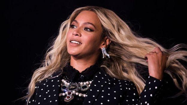 A cantora americana Beyoncé ganha cerca de US$ 700 mil por cada post patrocinado no Instagram (Foto: Getty Images/BBC)