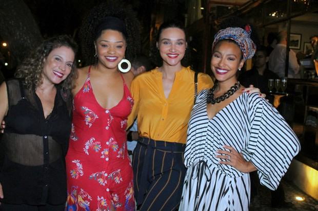 Maíra Charken, Juliana Alves, Débora Nascimento e Sheron Menezzes  (Foto: Daniel Delmiro / AGNews)