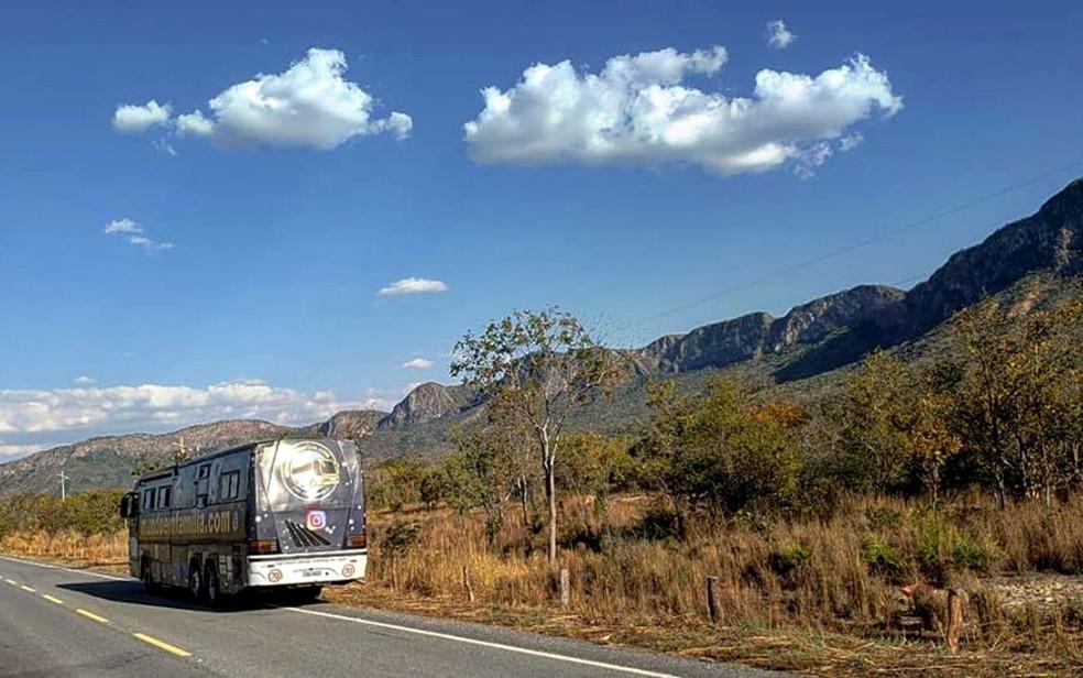 Motorhome onde Rodrigo Nunes, Andreia Razze e os três filhos viajam pelo Brasil (Foto: Rodrigo Nunes/Arquivo pessoal)