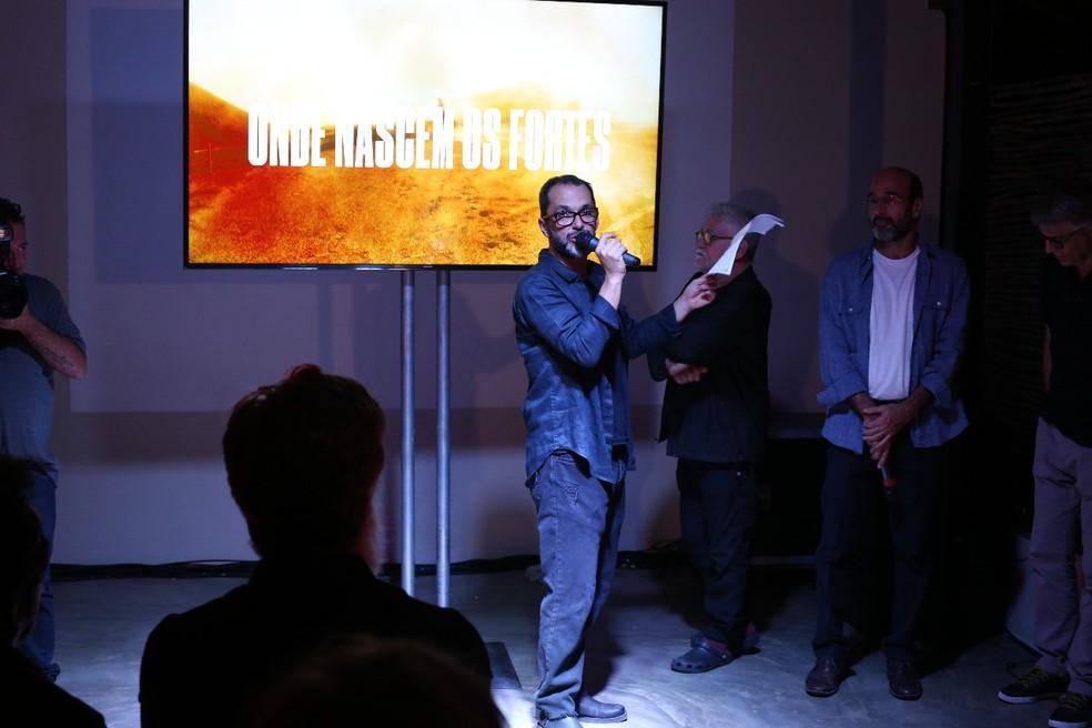 O diretor artístico da obra,  José Luiz Villamarim, apresenta 'Onde Nascem os Fortes' (Foto: Gabriel Nascimento/Gshow)