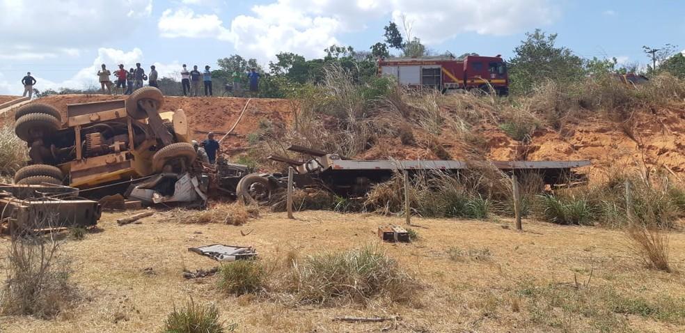 Motorista de caminhão morre em acidente na BR-222 — Foto: Divulgação/PRF