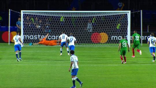 Estreante na Copa América, VAR anula sete gols, marca quatro pênaltis e expulsa dois; veja lances
