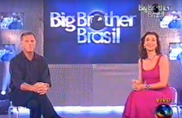 Marisa Orth chegou a dividir a apresentação com Pedro Bial na primeira edição do 'Big Brother Brasil'. Porém, seu desempenho não agradou e, após algumas semanas, ela acabou afastada sem se despedir dos participantes, que estranharam sua ausência (Foto: Reprodução)