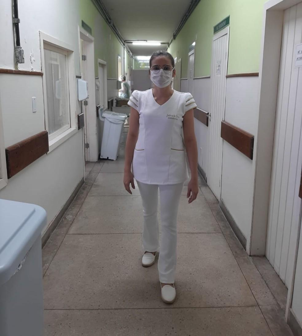 Enfermeira Gabriela Cruz relata atuação durante combate ao coronavírus em Natal — Foto: Cedida