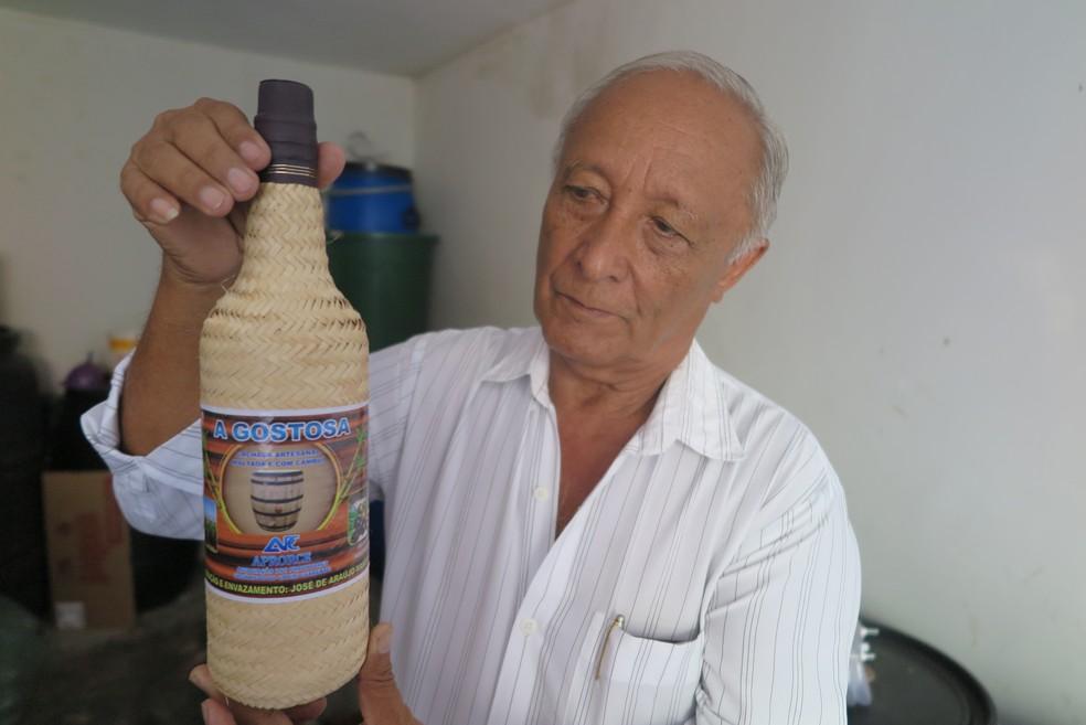 José Araújo Marôpo desenvolveu produtos a partir do cambuí — Foto: Antonio Rodrigues/SVM