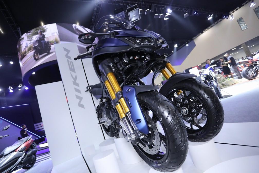 Yamaha Niken, uma moto de 3 rodas, no estande da Yamaha no Salão Duas Rodas 2019 — Foto: Fábio Tito/G1