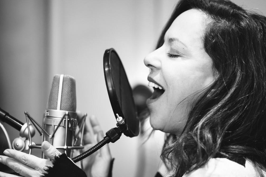 Bebel Gilberto lança 'Agora' — Foto: Divulgação/Heidi Solander