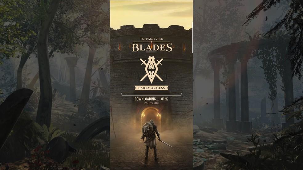 Aguarde o download dos arquivos do The Elder Scrolls: Blades — Foto: Reprodução/Murilo Molina