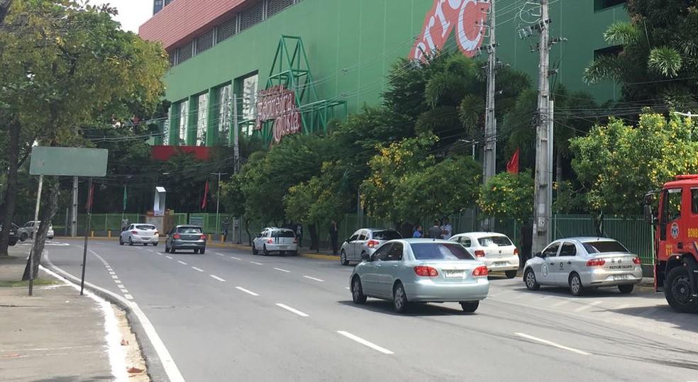 Avenida Cônego Barata, na Zona Norte do Recife, é uma das vias a receber equipamentos de fiscalização eletrônica (Foto: Oton Veiga/TV Globo)