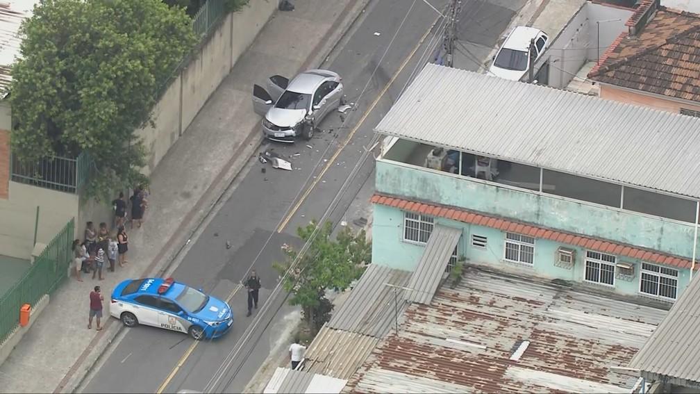 Polícia faz operação em Rocha Miranda — Foto: Reprodução/TV Globo