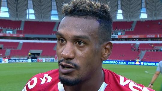 """Edenilson lamenta empate contra o Santos e admite: """"Poderíamos ter oferecido mais perigo"""""""
