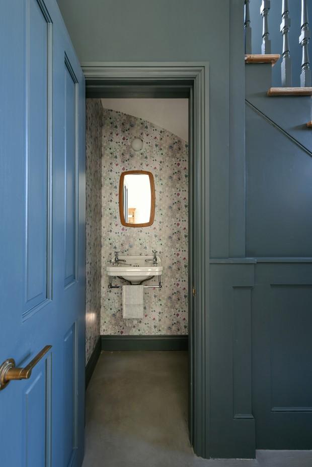 Casa de 1890 se renova com cores e exibe marcas originais (Foto: Emma Lewis e pixangle.com)